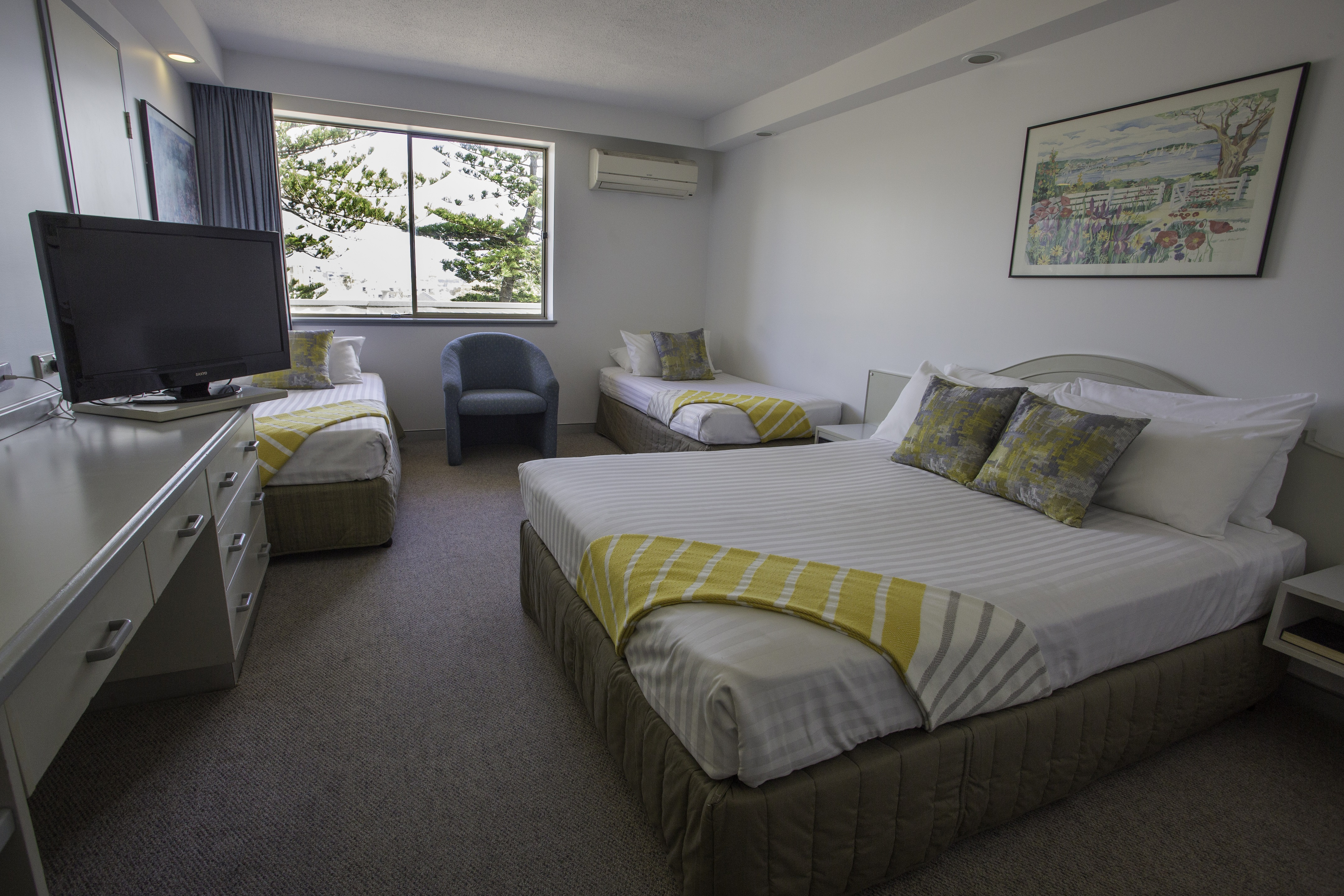 accommodation newcastle newcastle beach hotel home. Black Bedroom Furniture Sets. Home Design Ideas