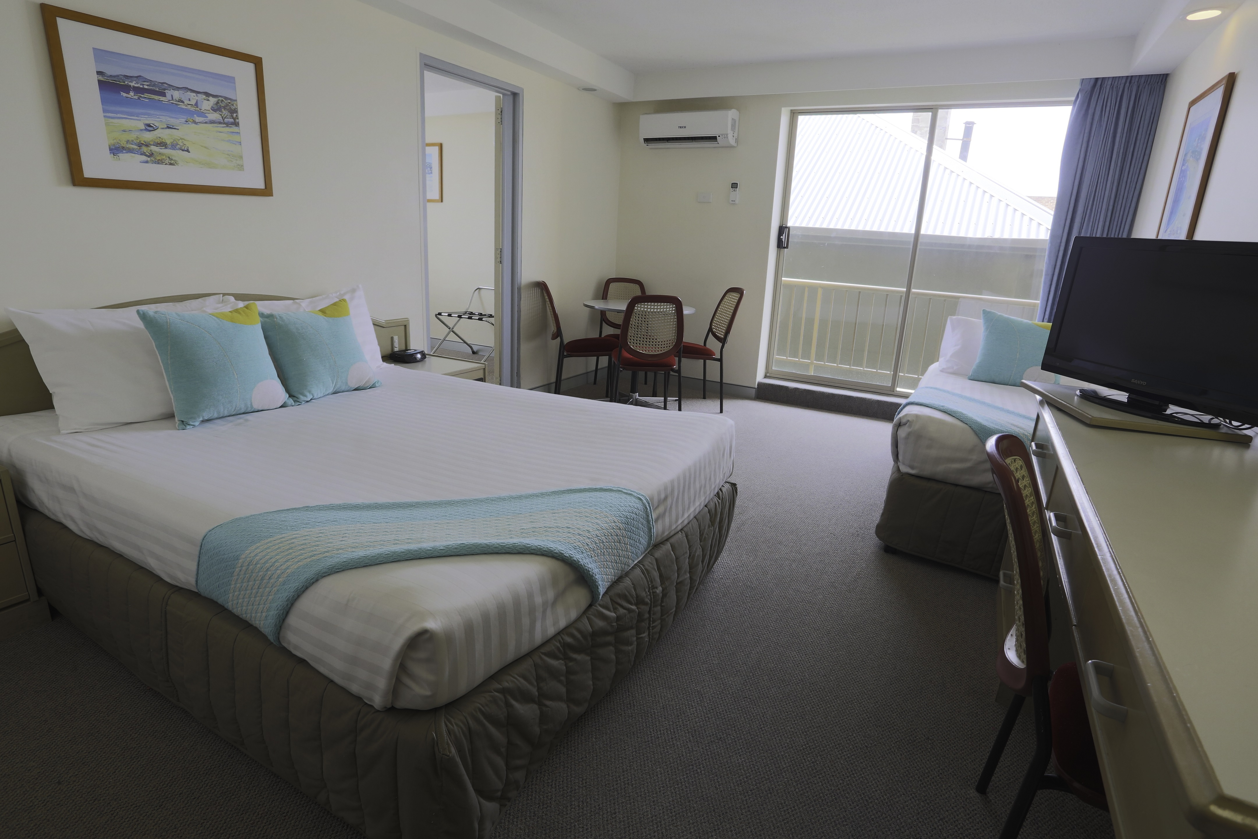 Large Family Room At The Newcastle Beach Hotel
